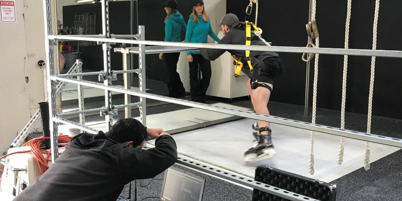 Skating Treadmill with bio mechanics
